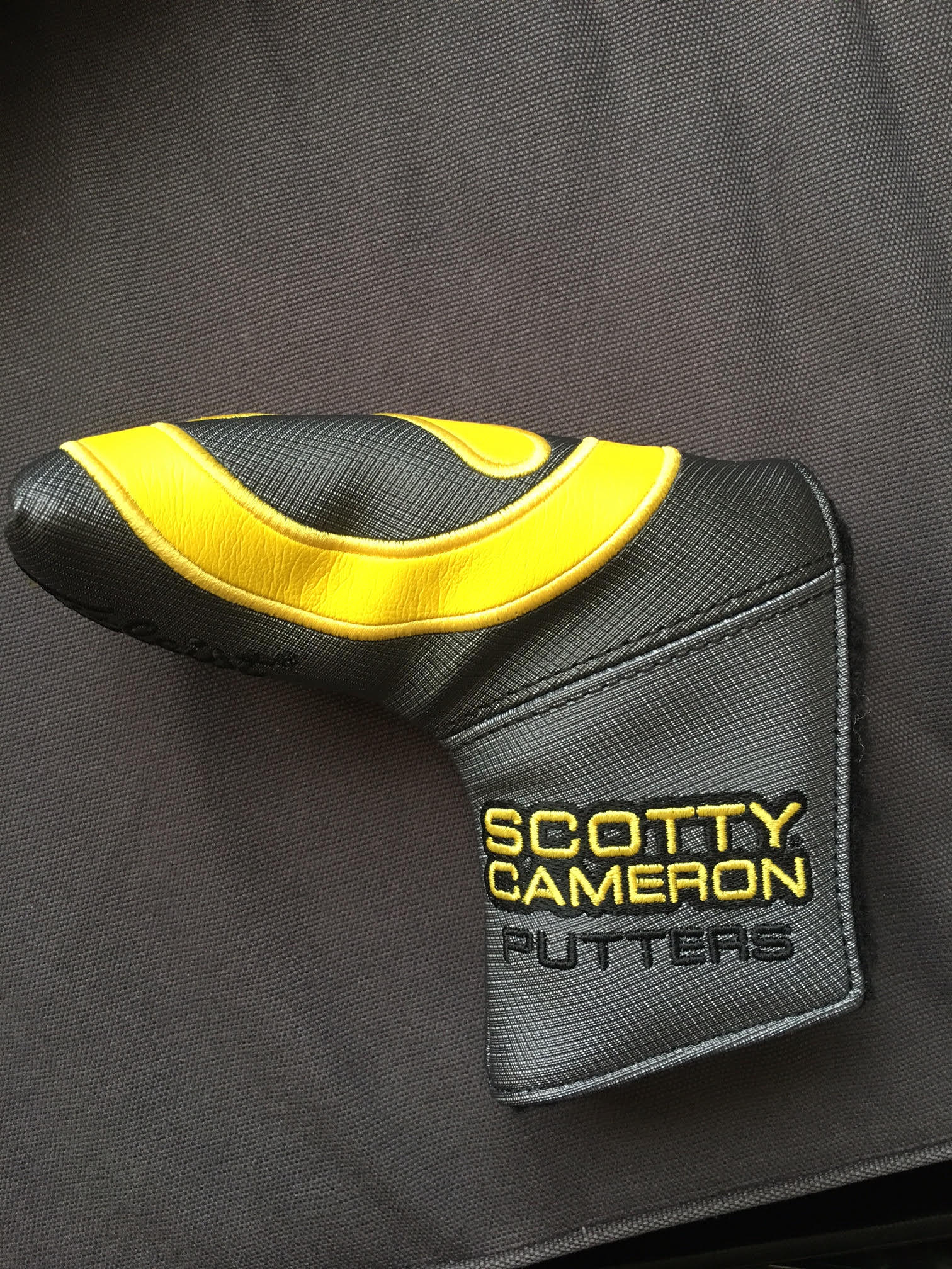 Scotty Cameron Tour Industrial Circle T Headcover